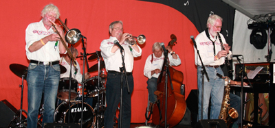mountain_village_jazzmen2.jpg